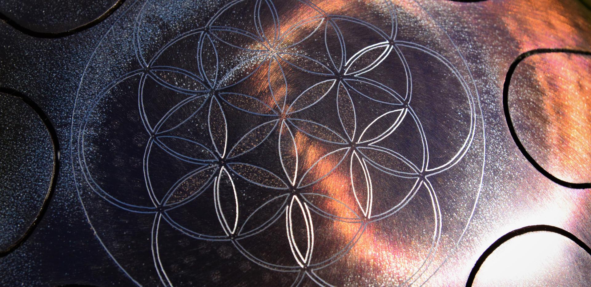 fleur de vie sur osb-drum tankdrum - instrument de musique - hang - handpan - yoga