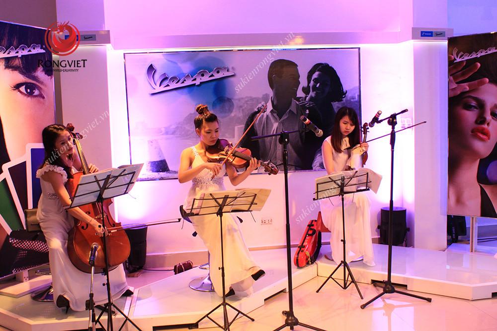 Biểu diễn nghệ thuật tại sự kiện ra mắt Vespa 946 - Công ty sự kiện Rồng Việt