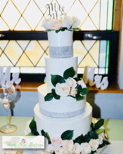Loving the simplicity of this cake! _Can