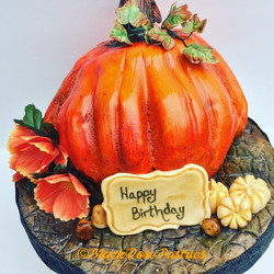 Pumpkin Shape Cake