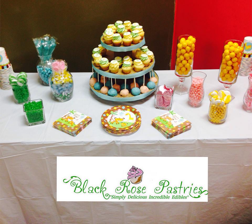 Cupcakes & Sweet Table