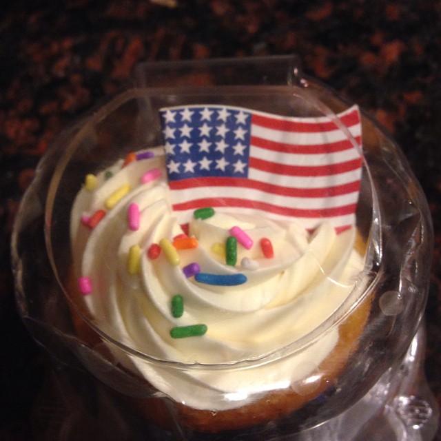 United We Stand!! #cupcake #american #la