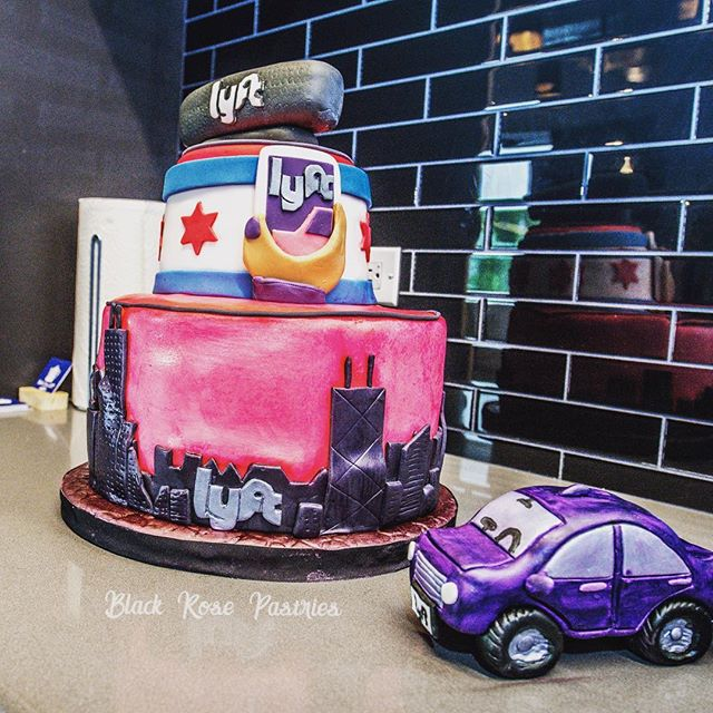 Check out this awesome Lyft Cake! #lyft