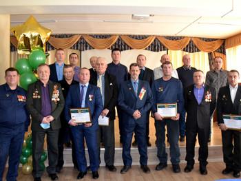 Коллектив АО «КМЗ» поздравил с праздником заводчан – участников боевых действий