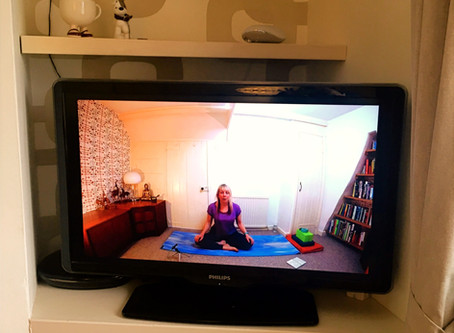 10 Tips for an Amazing Online Yoga Practice