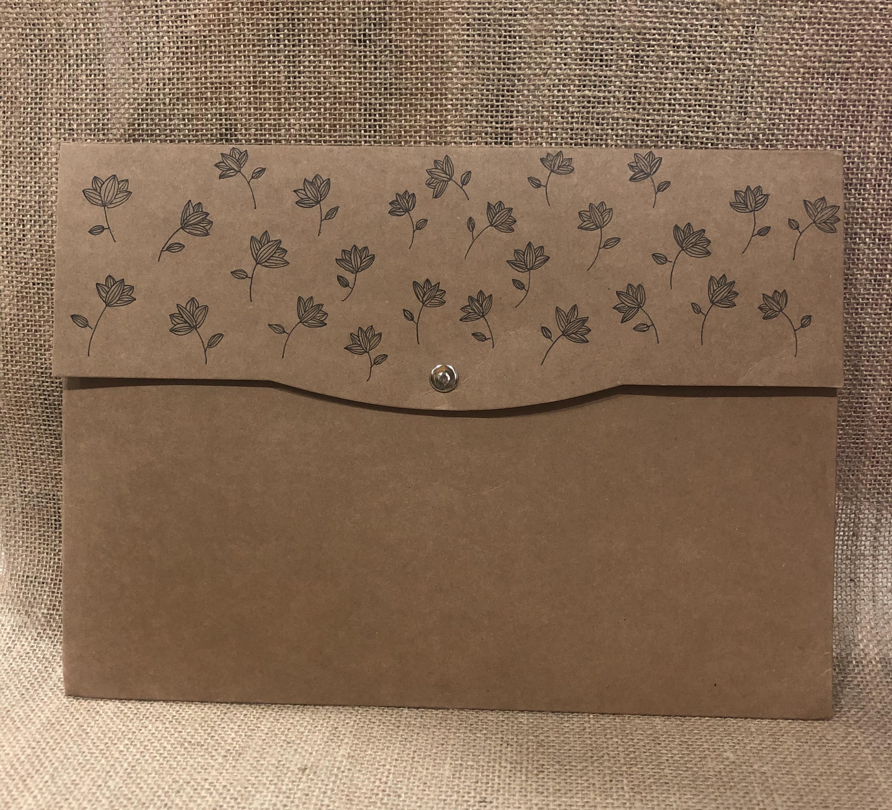 Button envelope folder