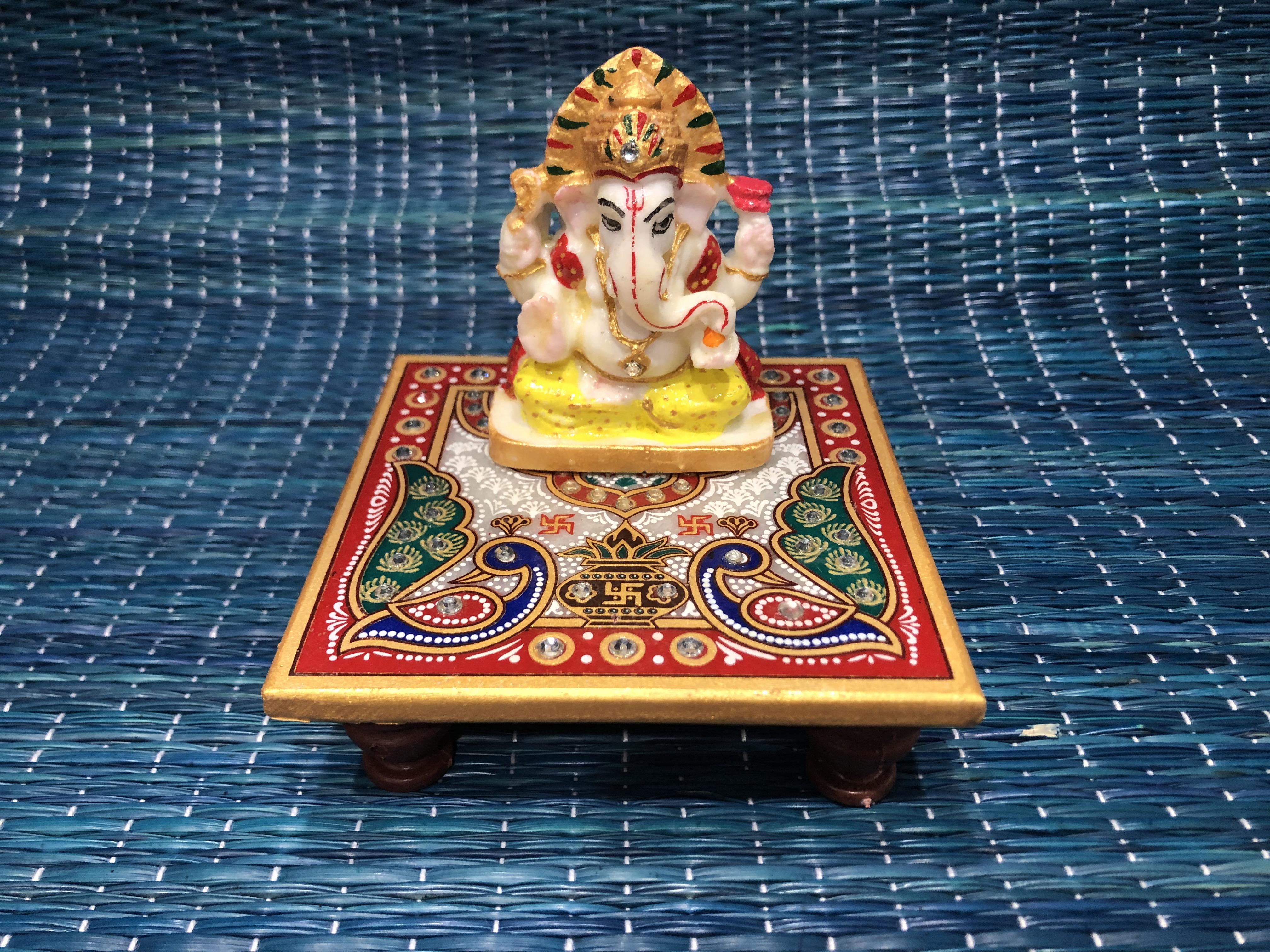 Marble Ganesha paat