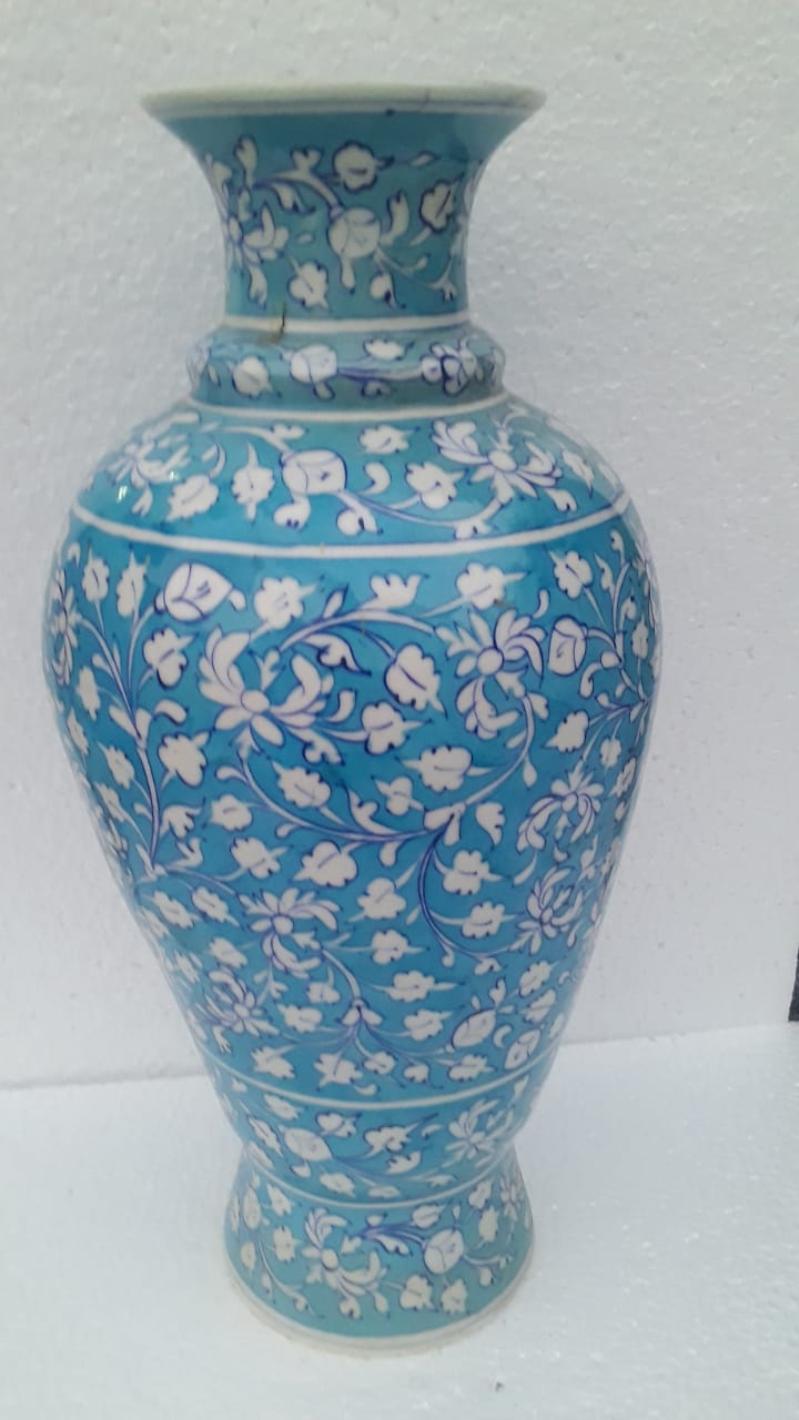 Blue pottery vase (sea blue)