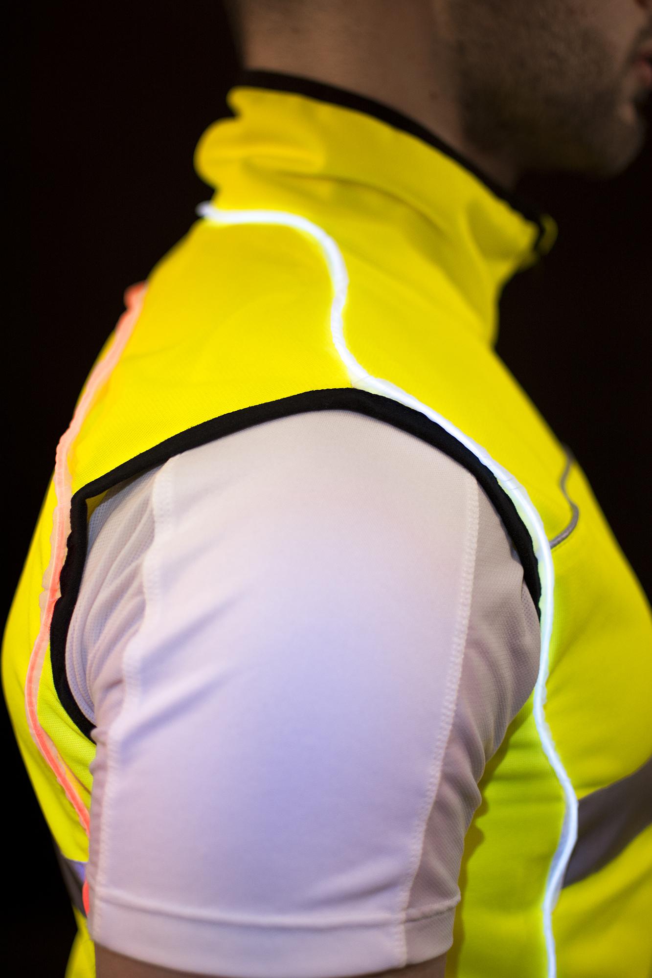 Running Vest, particolare spalla