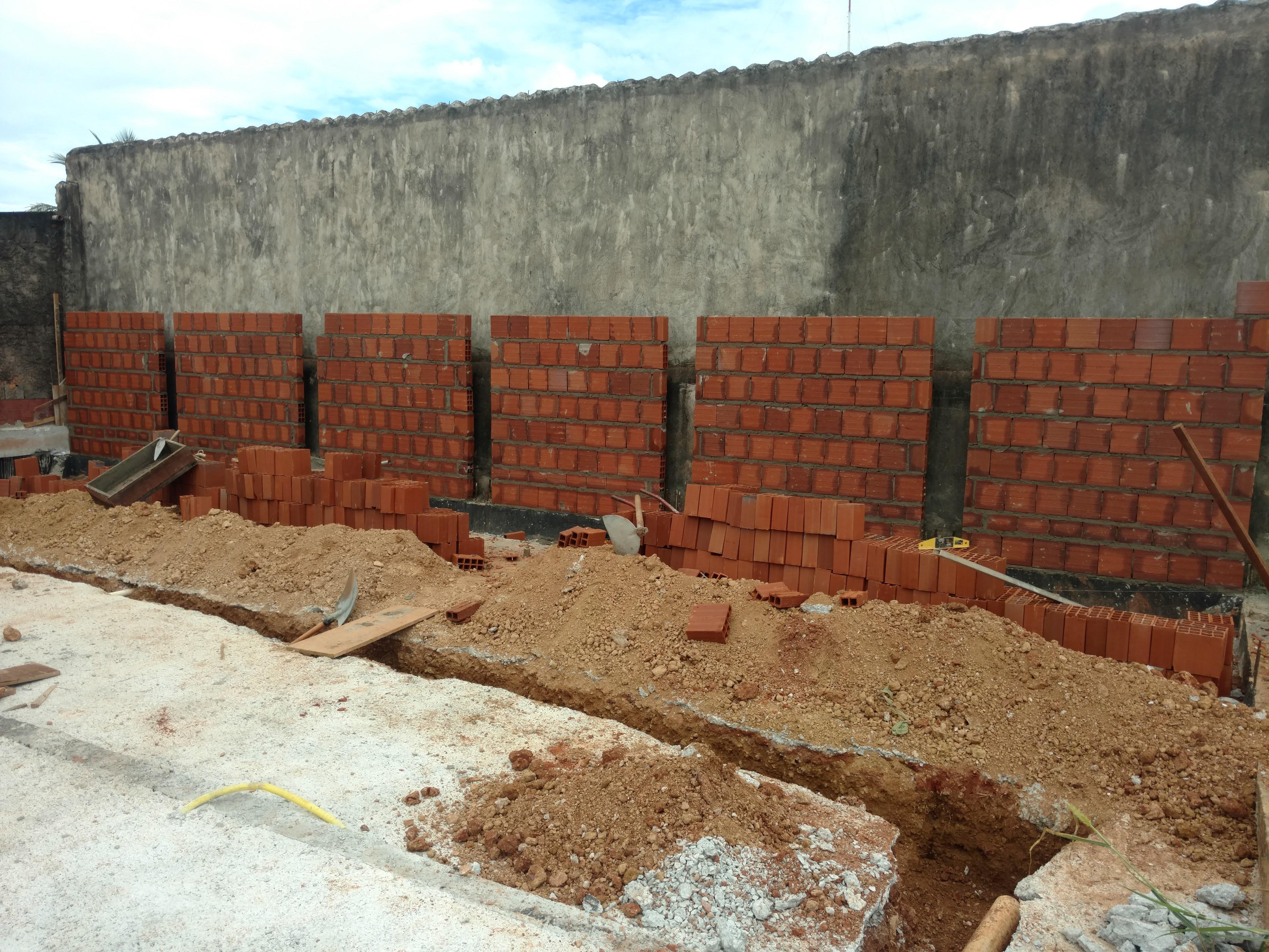 Construção de Contra-piso em concreto (6