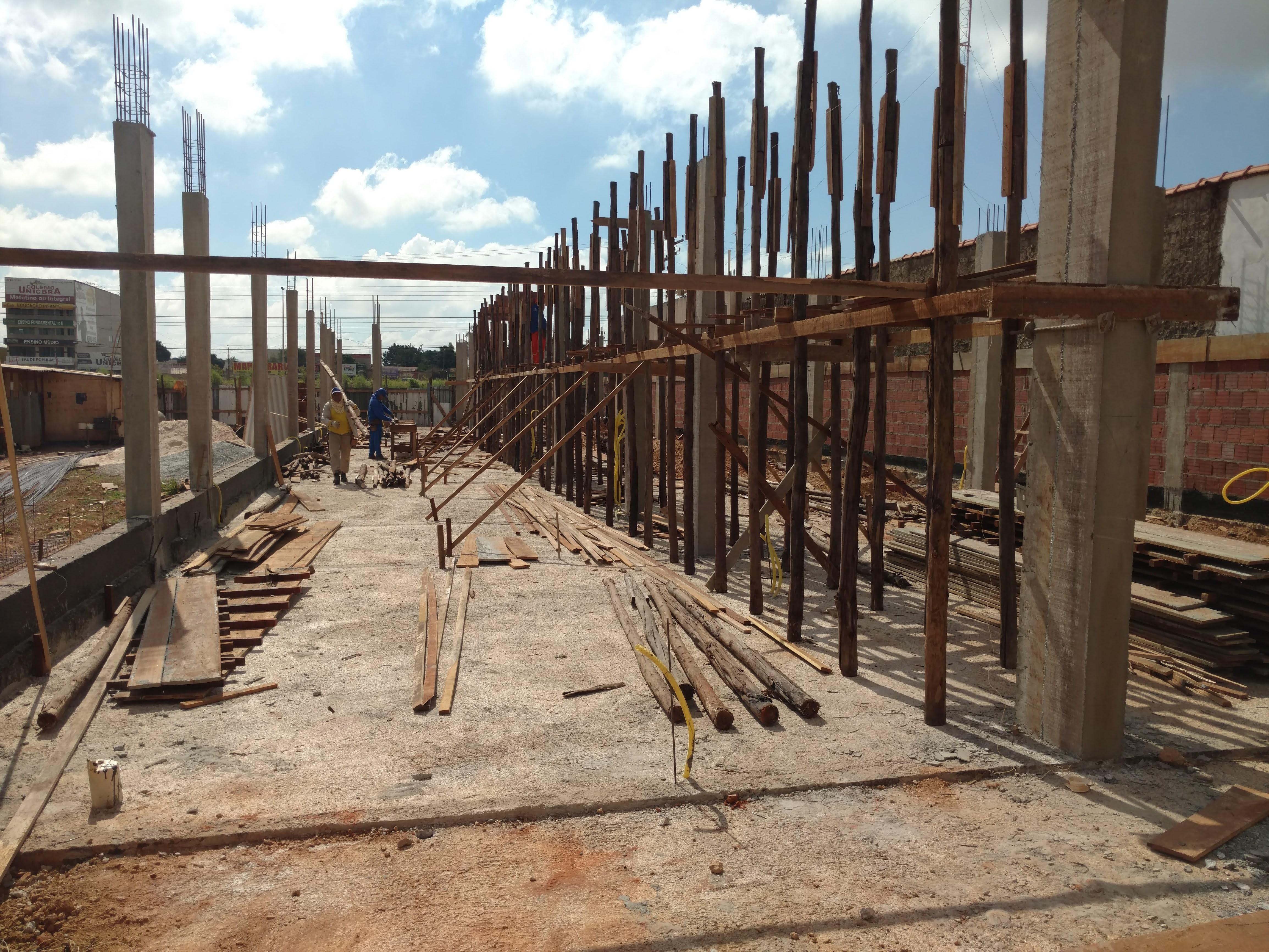 Construtora constroe estrutura em Brasil