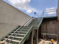 Construção de escada metalica em Brasili