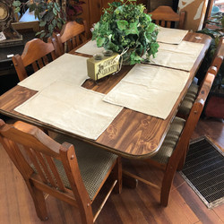 Table w/ 6 Chairs