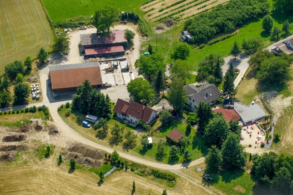 Hofluftbild 2013  Osswald Owingen 1.jpg
