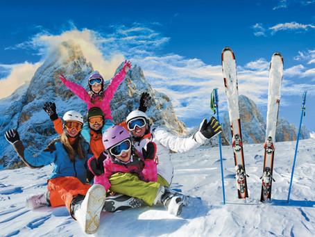 Ski en famille: choix de la station, cours, altitude ... tout savoir pour des vacances parfaites