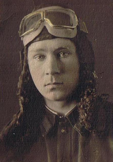 В Энгельсской авиационной школе. 23 февраля 1942