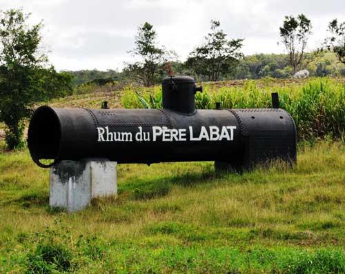 la célèbre distillerie du Père Labat