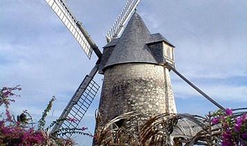 """l'île aux """"100 moulins"""""""