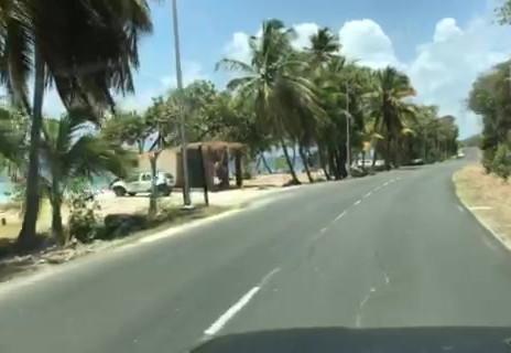la plage en bas de la rue !