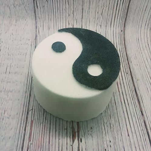 Ying Yang bath bombs
