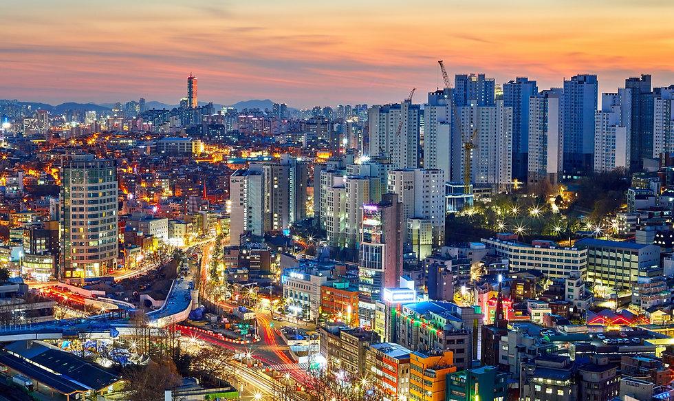 Cityscape%20in%20seoul%20south%20korea%20around%20sunset._edited.jpg