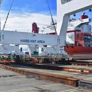 Gantry crane discharge