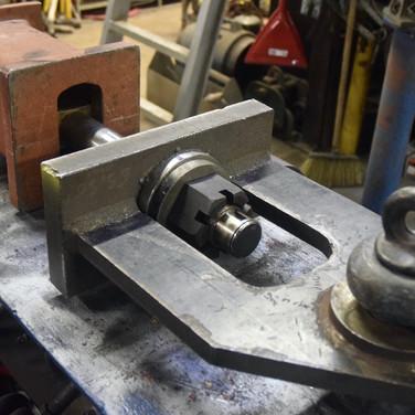 Proof testing twist lock pin