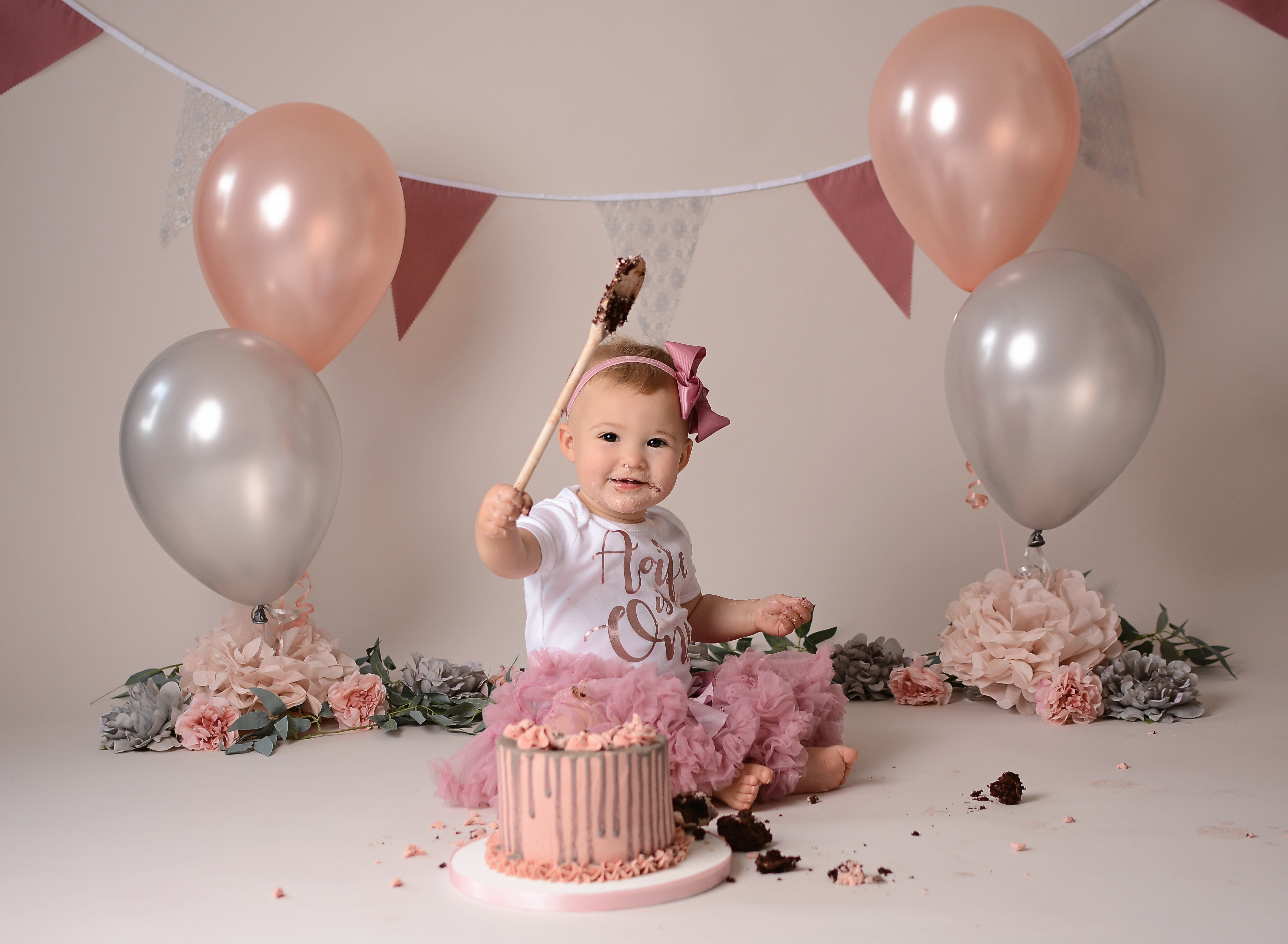 Dusky pink cake smash