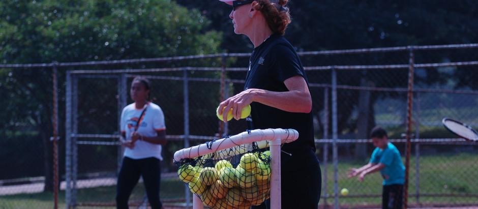OSEB promove aulas gratuitas de tênis na zona leste de São Paulo