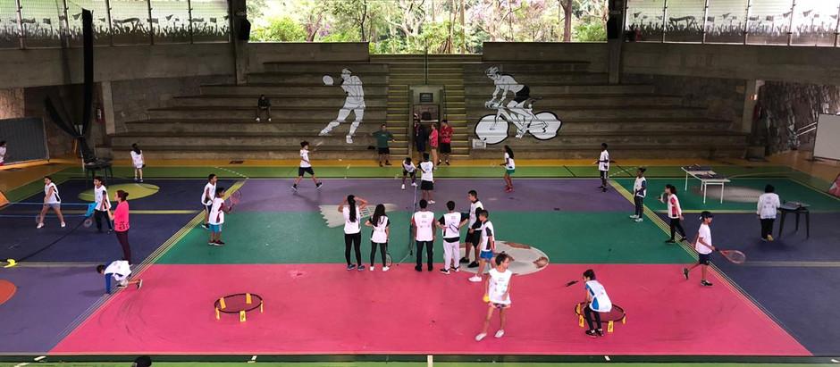 Em excursão ao Sesc, turma do Campo Limpo participa de oficina de raquetes