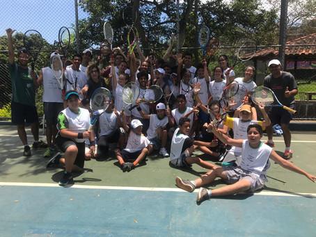 Atleta bolsista nos EUA visita projeto no CEU Casa Blanca