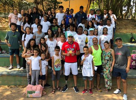 Projeto Tenista Cidadão recebe palestra do atleta paralímpico Renato Leite