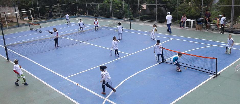 OSEB oferece aulas gratuitas de tênis no CEU Casa Blanca (SP)