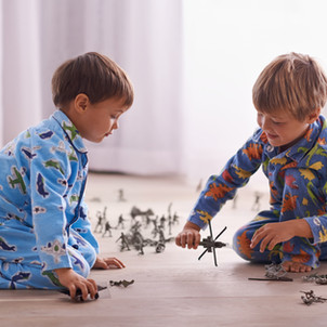 5 ways to have fun inside this winter with your kids!