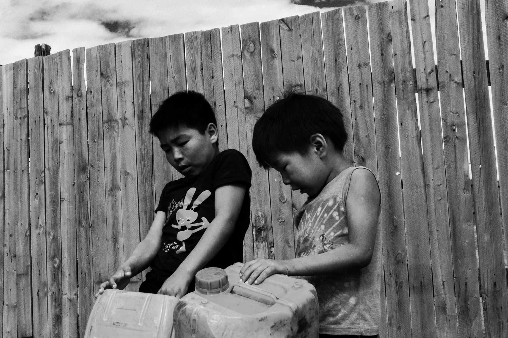bambini acqua.jpg