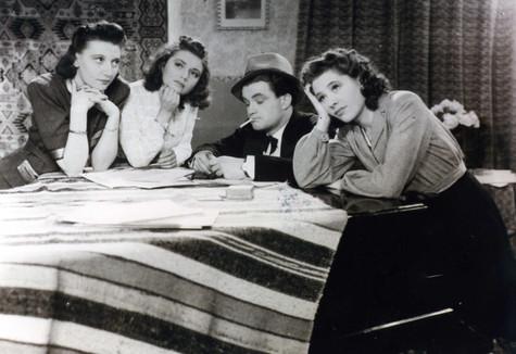 Vera Bosmans, Martha Dua, John Stuyck en Marina Candael in Veel geluk Monika (1941)