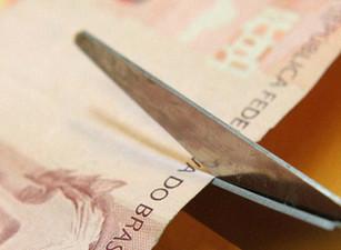 O dilema entre gastos e reformas