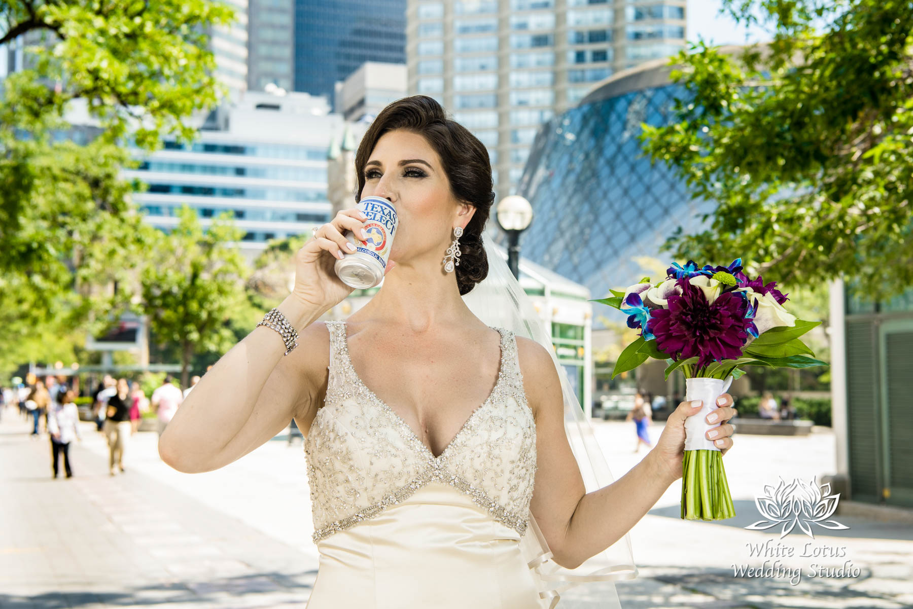 076 - Wedding - Toronto - Downtown wedding photo-walk - PW