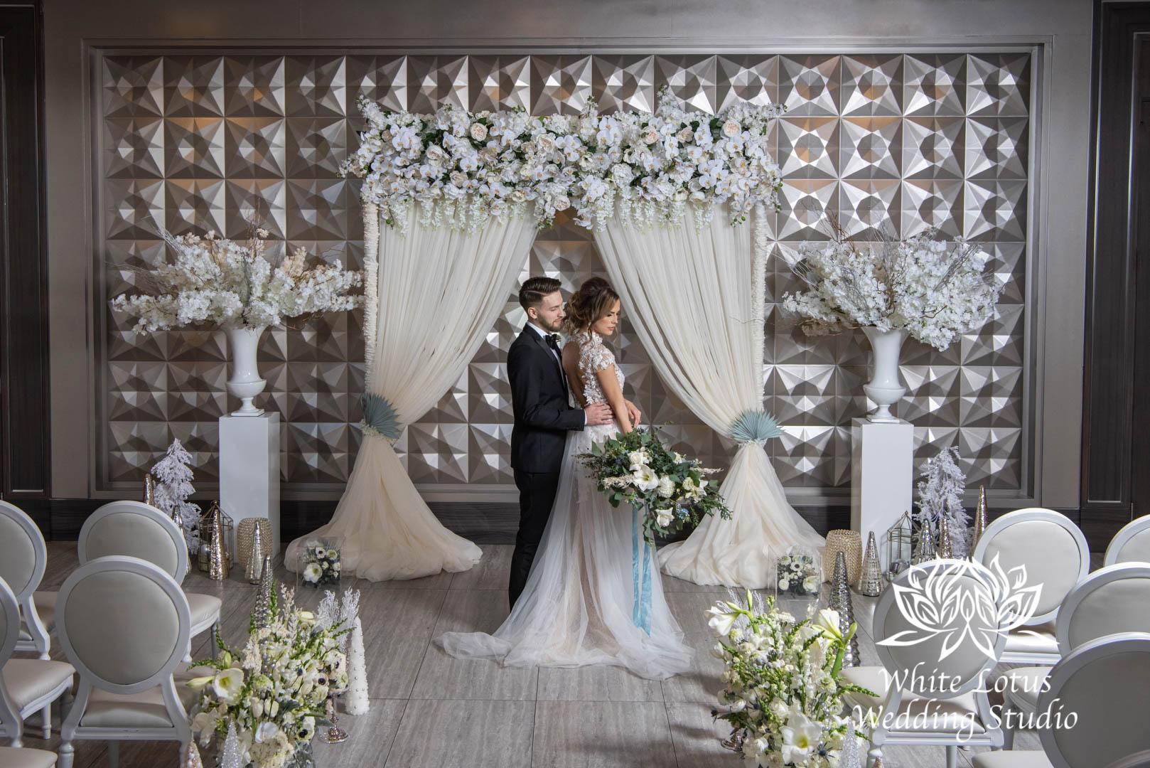 042- GLAM WINTERLUXE WEDDING INSPIRATION