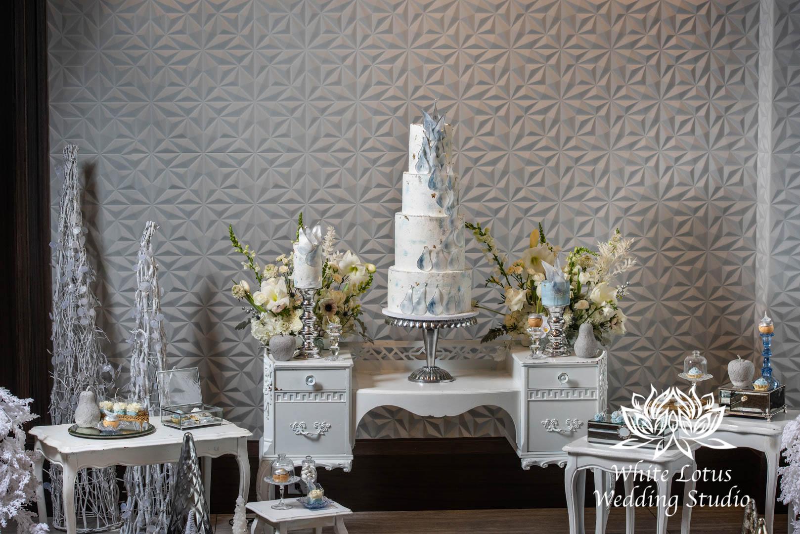 095- GLAM WINTERLUXE WEDDING INSPIRATION