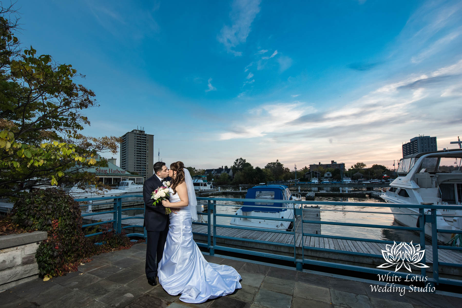 284 - www.wlws.ca - Wedding - The Waterside Inn - Mississauga