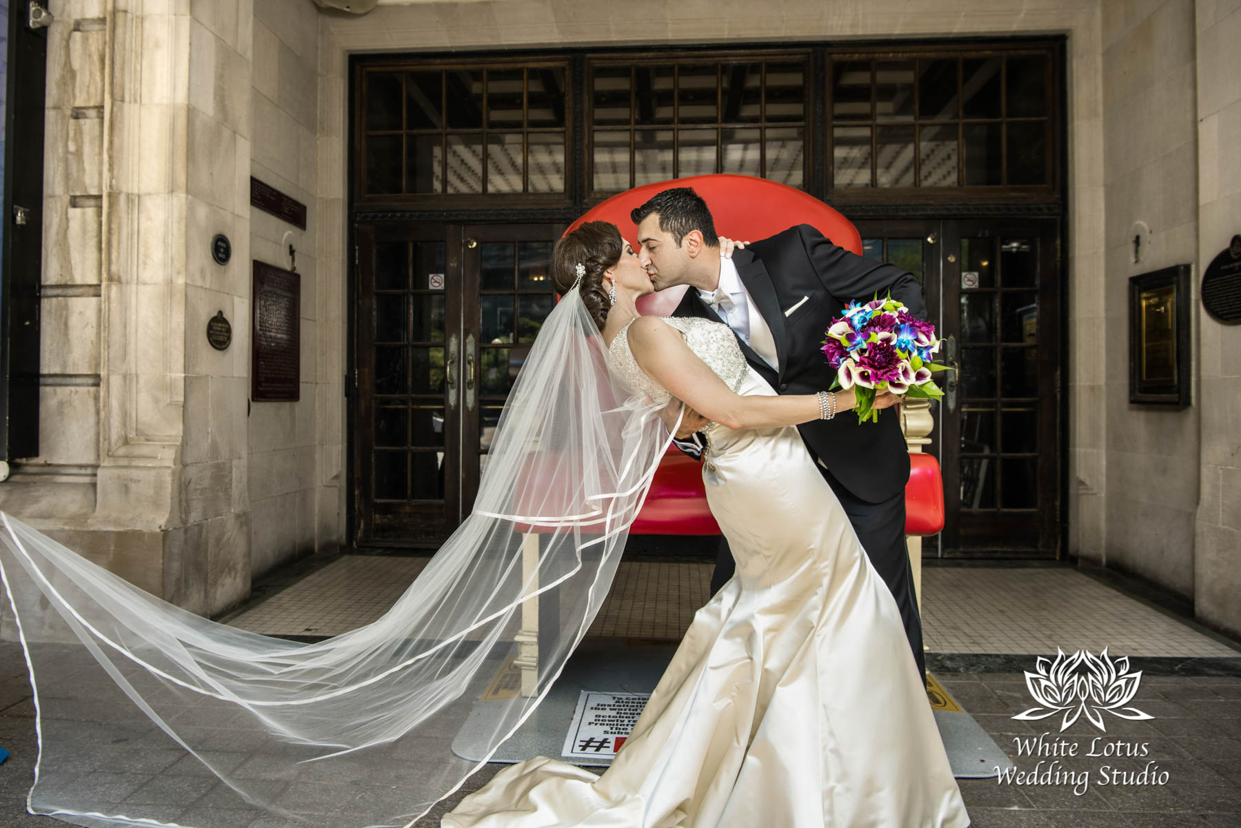 070 - Wedding - Toronto - Downtown wedding photo-walk - PW