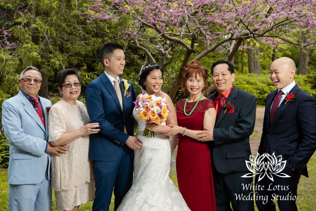 032- Alexander Muir Memorial Gardens wed