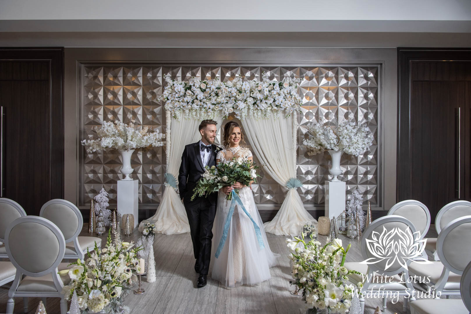 047- GLAM WINTERLUXE WEDDING INSPIRATION