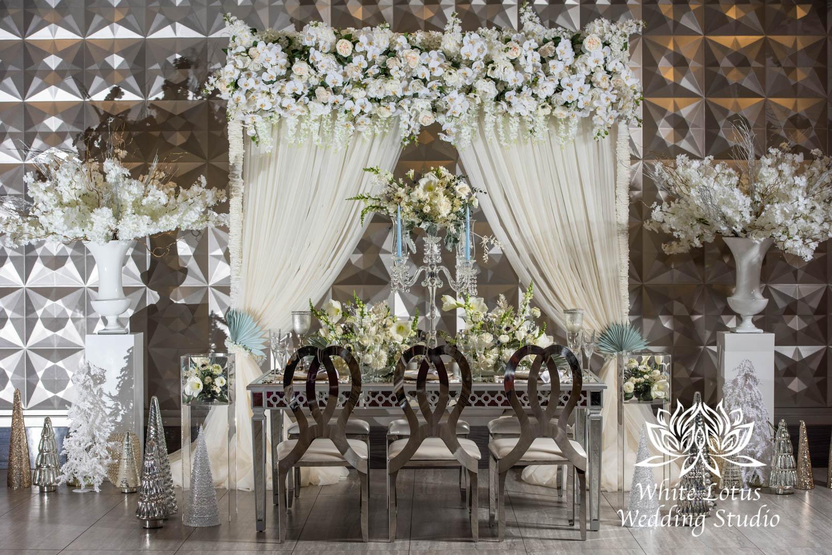 160- GLAM WINTERLUXE WEDDING INSPIRATION