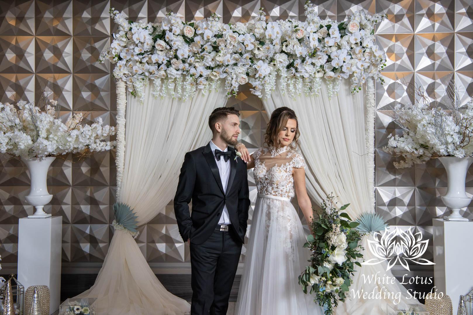 044- GLAM WINTERLUXE WEDDING INSPIRATION