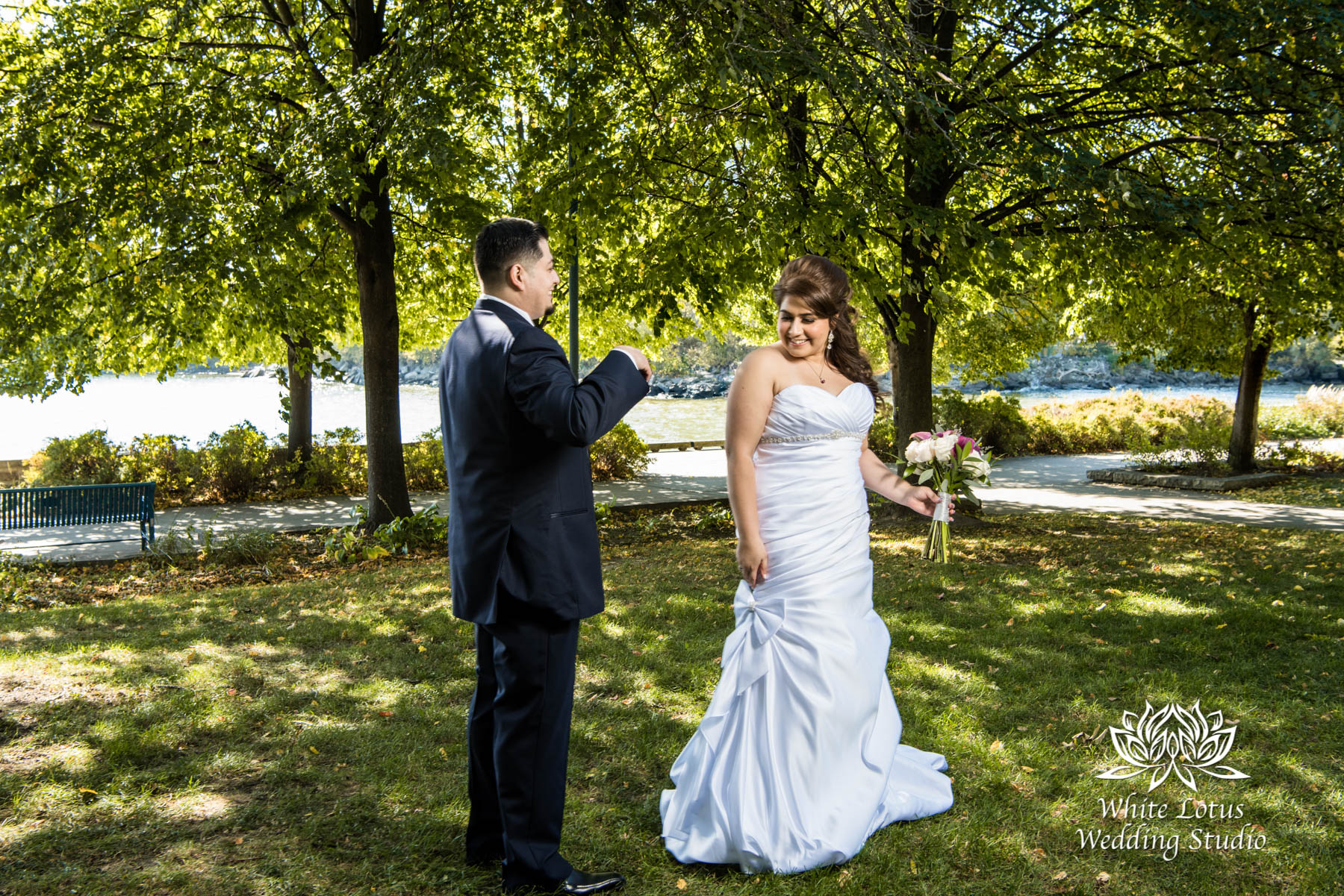 138 - www.wlws.ca - Wedding - The Waterside Inn - Mississauga