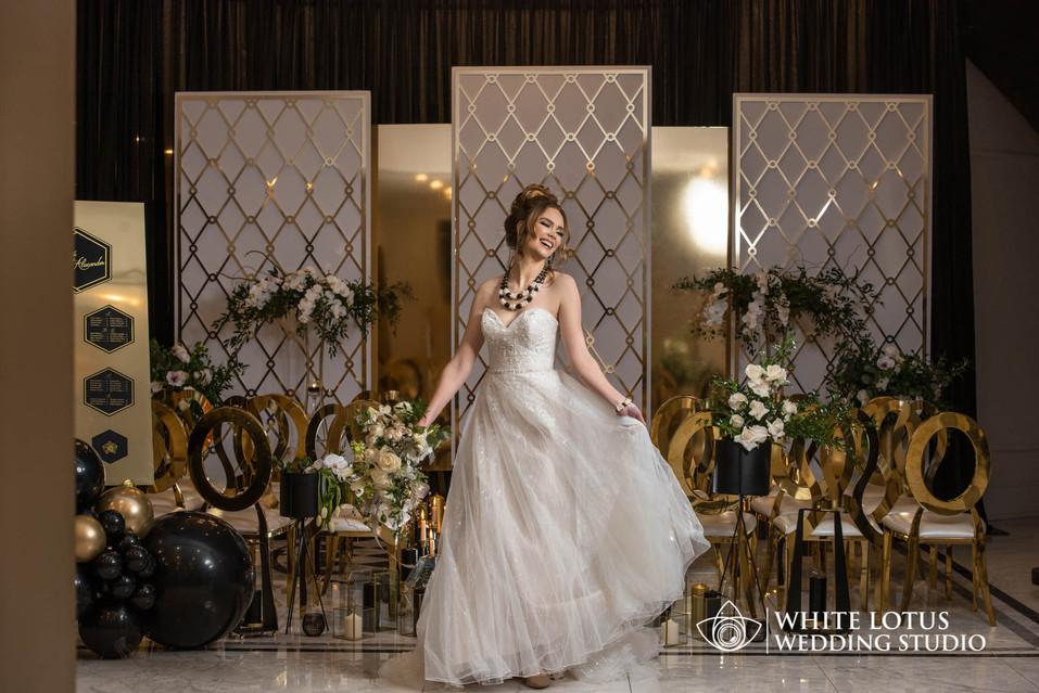106 - www.wlws.ca - Royal Venetian Mansi