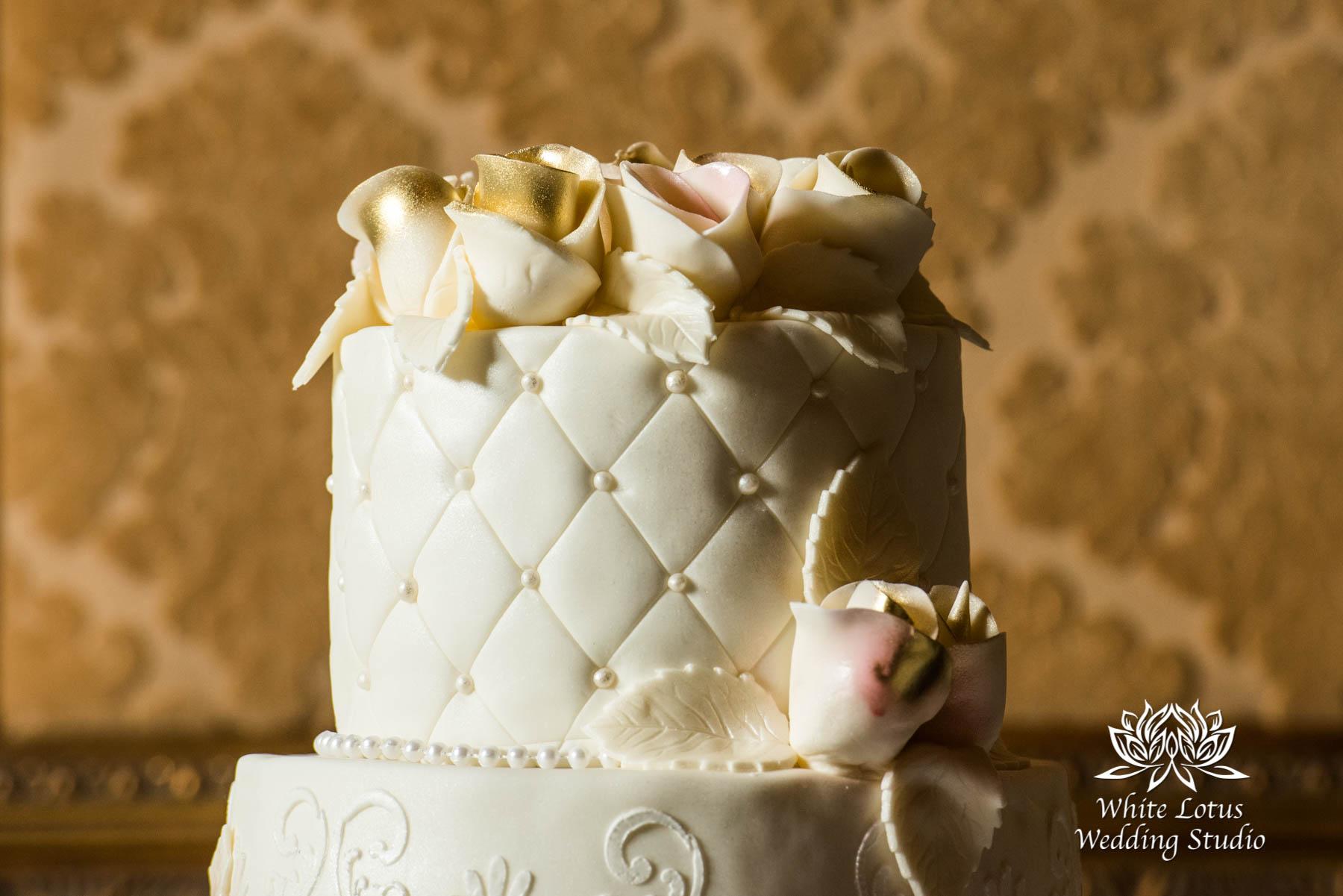 182 - Wedding - Toronto - Liberty Grand - Wedding Cake - PW