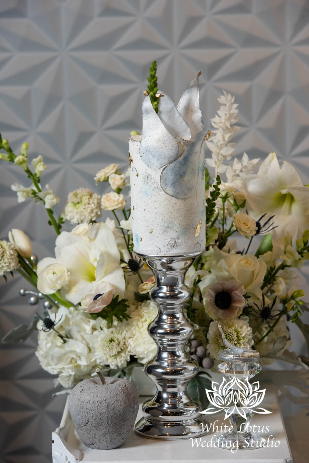 094- GLAM WINTERLUXE WEDDING INSPIRATION